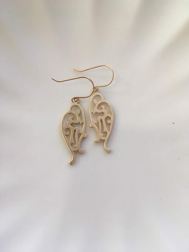 K18 Arabesque Design Earrings Tubasa 18金アラベスクデザインピアス(イヤリング)翼