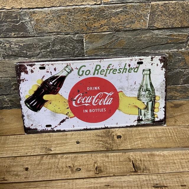 コカ・コーラナンバープレート Coca-Cola  drnk in bottles