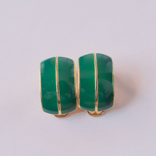 The Vintage + Green Collection 13 13