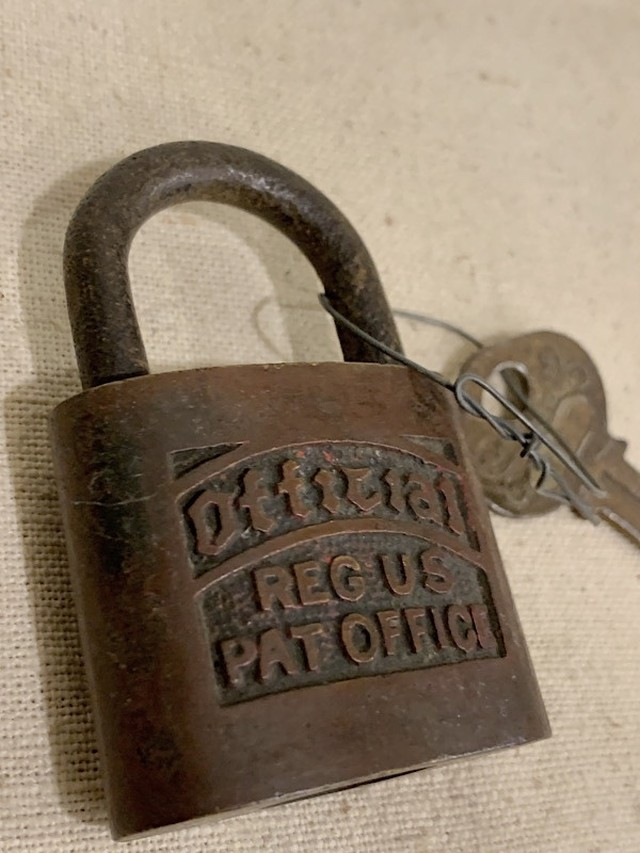 "PAD LOCK "" OFFICIAL REG US PAT OFFICE """