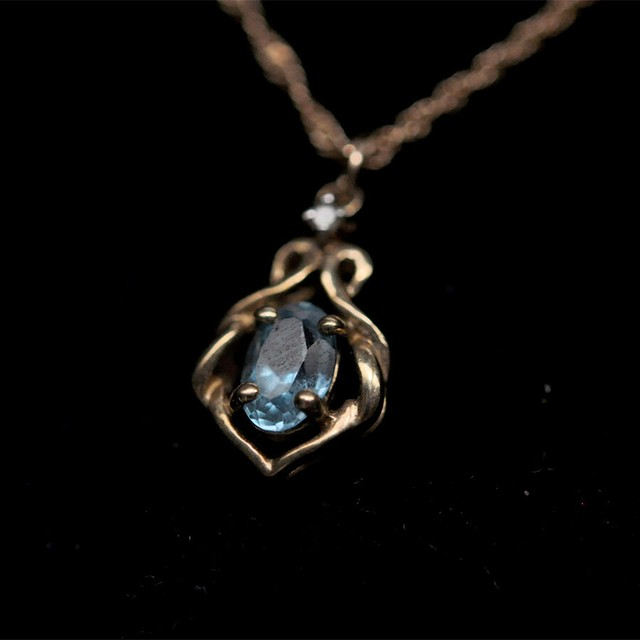 9K blue topaz +Dia necklace