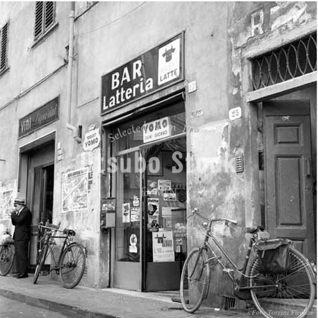 1973年撮影 イタリア フィレンツェ Latteria 風景写真【303197301】
