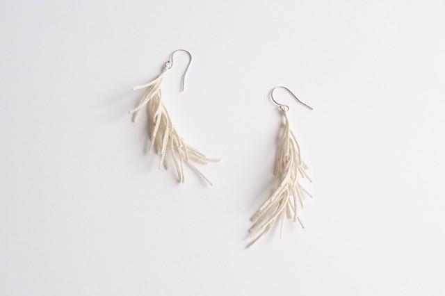 鰊骨 / herringbone 02 / ecru / pierce / earring