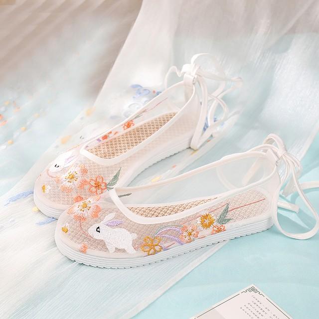 【欢兔】3color 刺繍シューズ 中国靴 チャイナドレス 中華服 サイズ34-40  ホワイト ピンク ブルー 兎 チュール