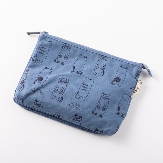 B5サイズWフラットポーチ 「ネコまるけ刺繍B5サイズWフラットポーチ ブルー」
