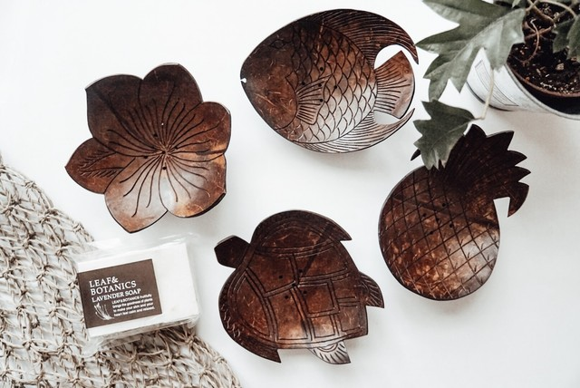 Coconut plate