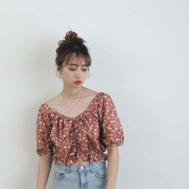 heart neck rose tops (S19-01140K)