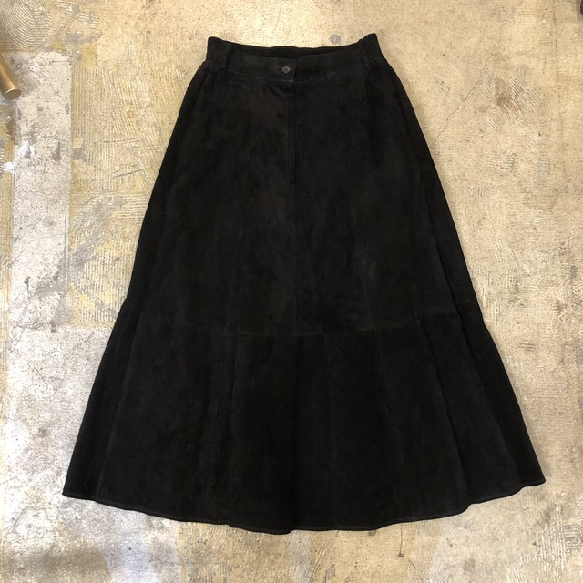 Suede Long Skirt ¥7,400+tax