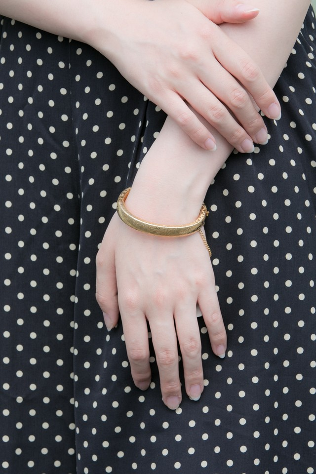 【Run Rabbit Run Vintage 】Gold color pattern bangle