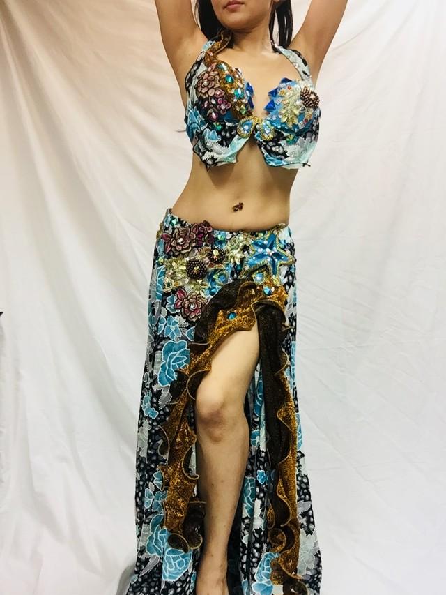 エジプト製 ベリーダンス 衣装 水色&ゴールド 薔薇柄