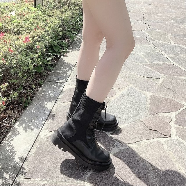 Side gore raceup boots
