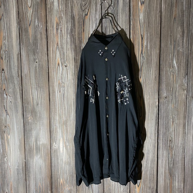 [used]design embroidery black shirt