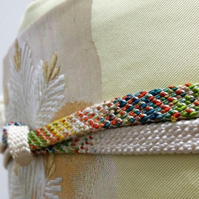 平組帯締め 白地に多色織り