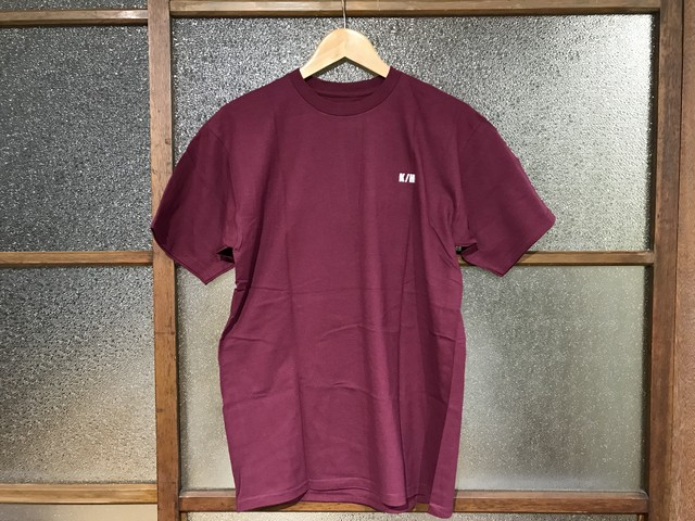 "KICKS/HI ""BACKBONE"" TEE (BURGUNDY/WHITE)"