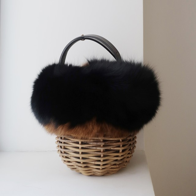 [Fur-Shoulder-Basket / Gururi]  #Black×Brown
