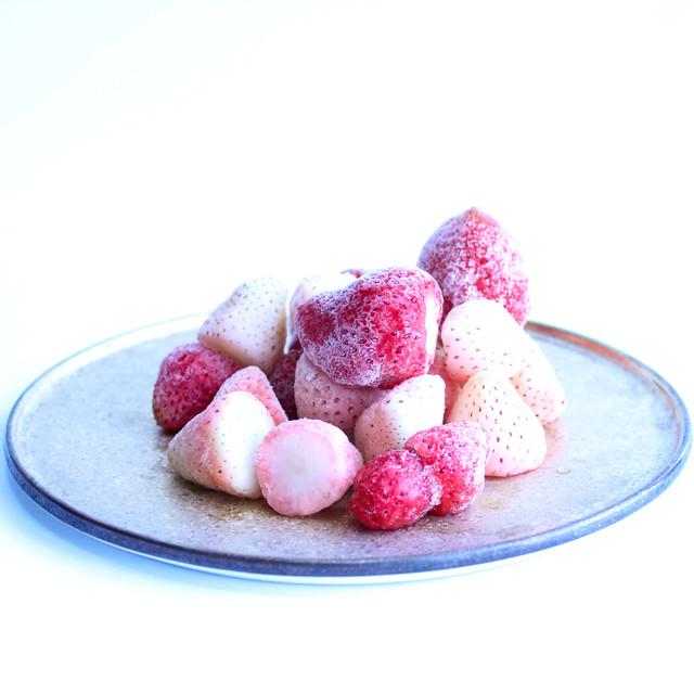 完熟 冷凍いちご 紅白2種食べ比べセット「よつぼし/淡雪」2kg|BERRY伊賀農園直送