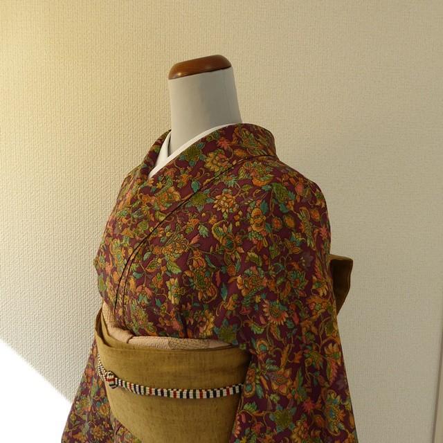 正絹ちりめん 葡萄茶(えびちゃ)に花の総柄の小紋 袷の着物