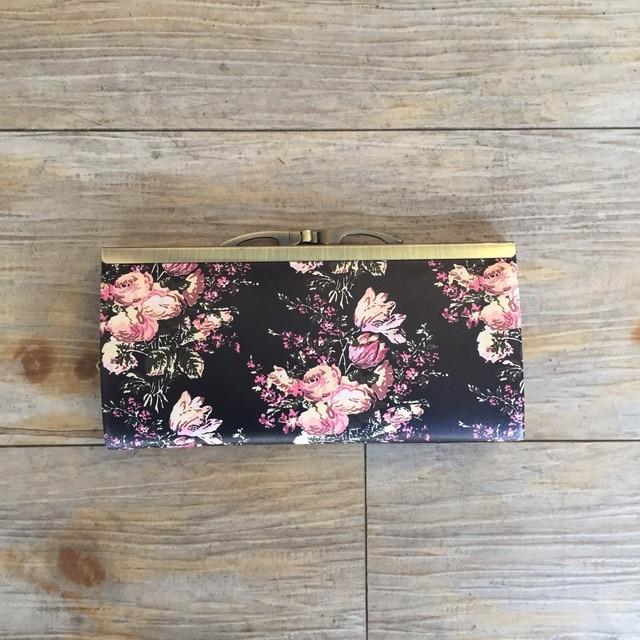 北欧デザイン 牛革がま口復刻長財布 | svea flower