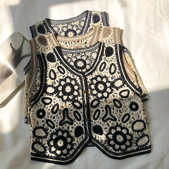Crochet flower vest KRE656