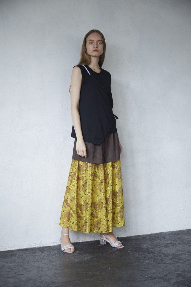 【2021SS先行受注アイテム】SQUARE LAYERED NO SLEEVE C&S