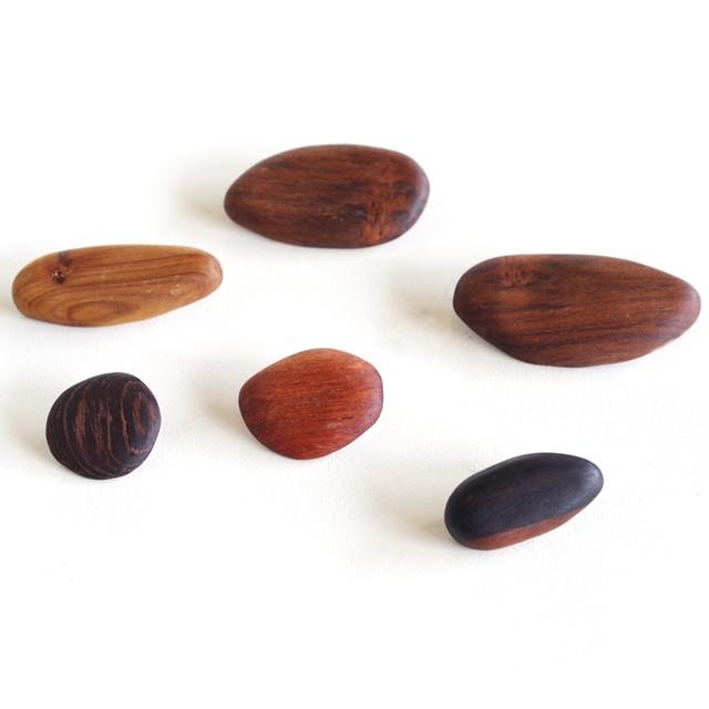 [LOPPIS限定]「樹石(きせき)」木製ブローチ