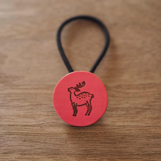 鹿の焼印ボタンゴム「丸」(桃紅色 / TOUKOU IRO)