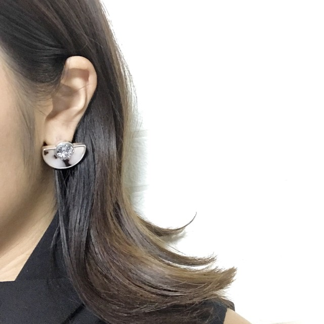 【  UNSEABLE 】Minimai Edge Earrings