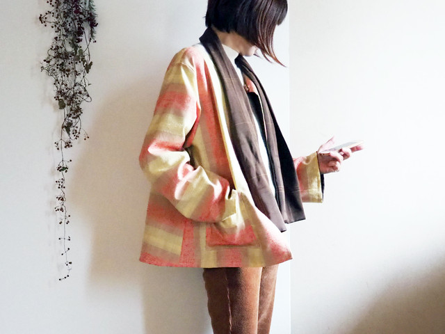 ミモザ色とパステルオレンジのジャケット【リバーシブル仕立てリボンスカーフ付き】-ウール着物から