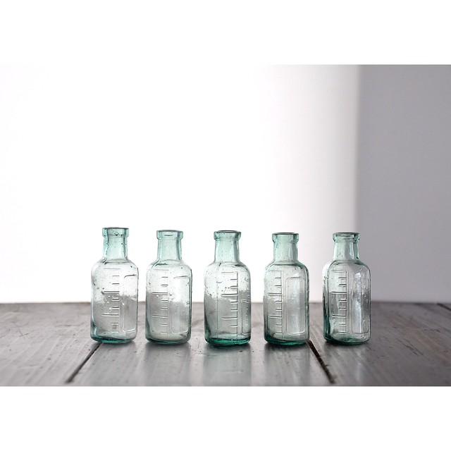 【小さな藥瓶】医療用  vintage 薬瓶 一輪挿し ガラス瓶