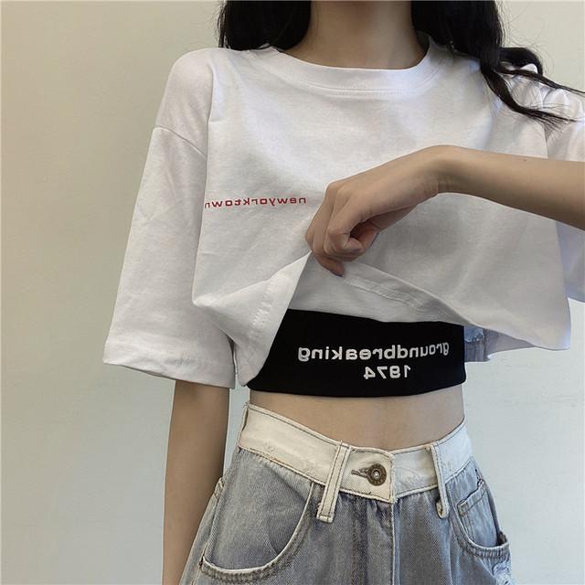 【6月下旬入荷予定】ショート丈Tシャツとブラックタンクトップのセット