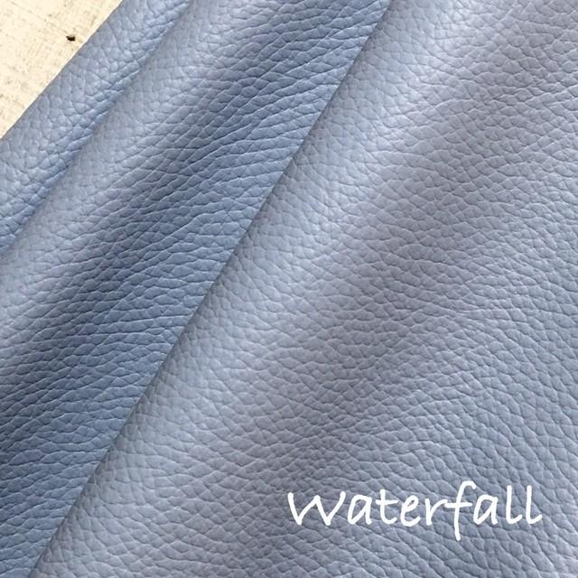 カルトナージュ用イタリア製レザー 36cm×36cm Waterfall(グレーがかったブルー)