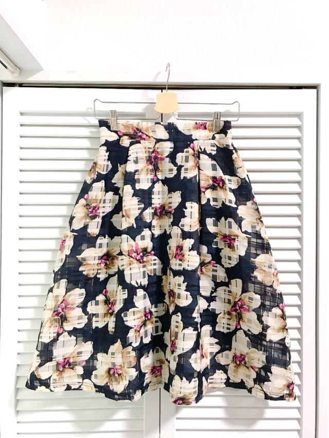 涼し気お花柄の格子シースルースカート