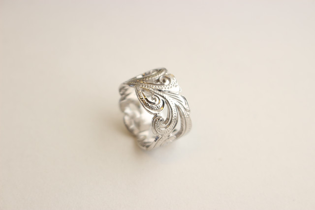 BEST SELLER | WIGGLE SCROLL RING