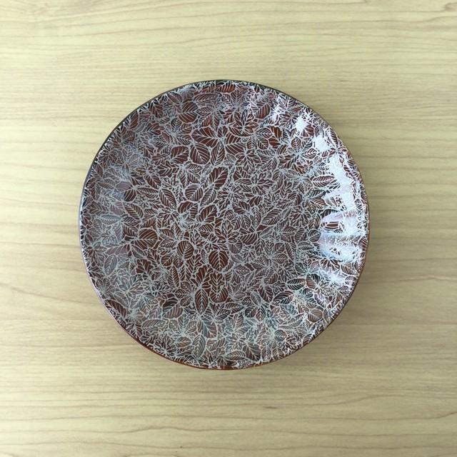 【有田焼】飴釉繫葉 菊割四寸皿