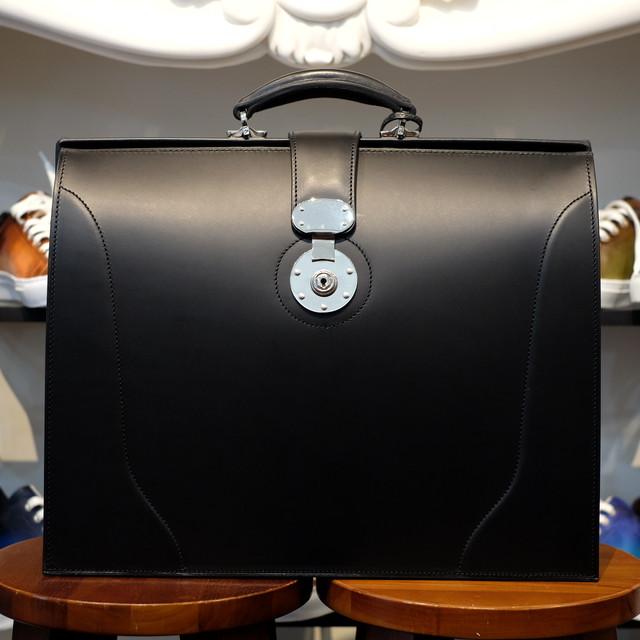 ル・ボナー 太マチダレスバッグ(3マチダレス)クラシック錠前 ブラック