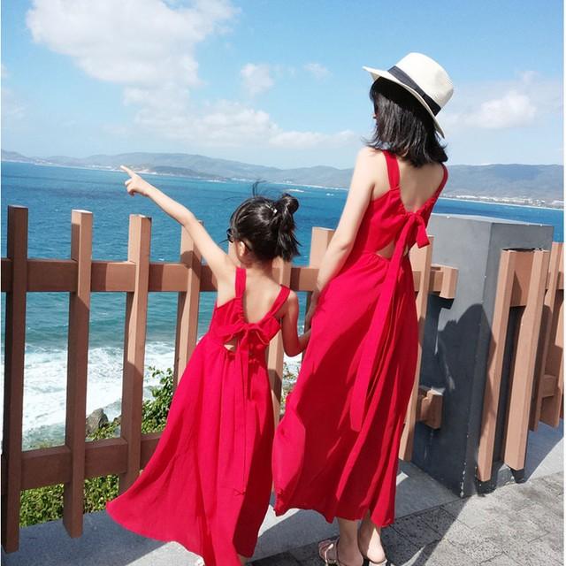 21夏の親子ドレス母と娘のドレス海辺の休暇の妖精薄いオープンバック赤いビーチドレス レッド サマー 夏物 云云朵朵婴童店 云云朵朵婴童店40233552446