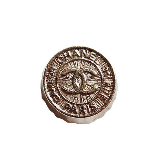【VINTAGE CHANEL BUTTON】クラウン ホワイトゴールド ココマークボタン 13mm C-19090