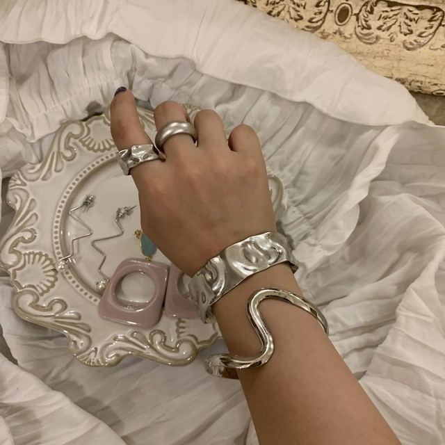 metallic bangle