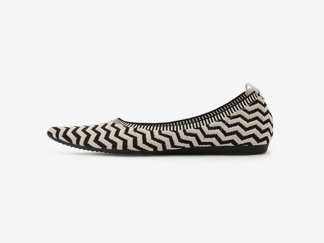 tribal stripe pattern / BLACK & BEIGE