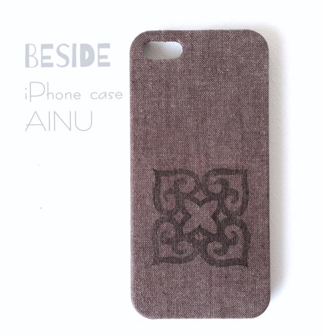 モダンなアイヌ紋様のiPhoneケース