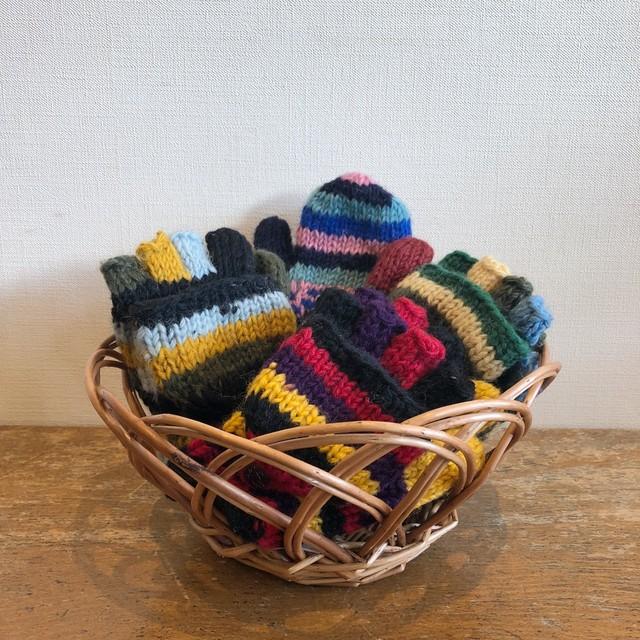 ネパールの手編みキッズ手袋