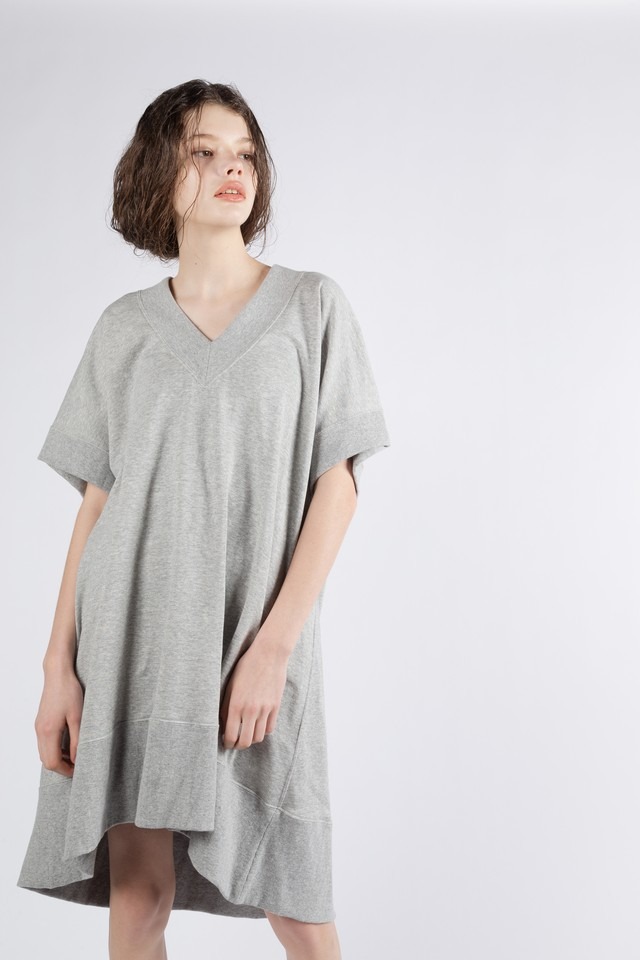 df19SM-06 REVERSIBLE V/NECK OP