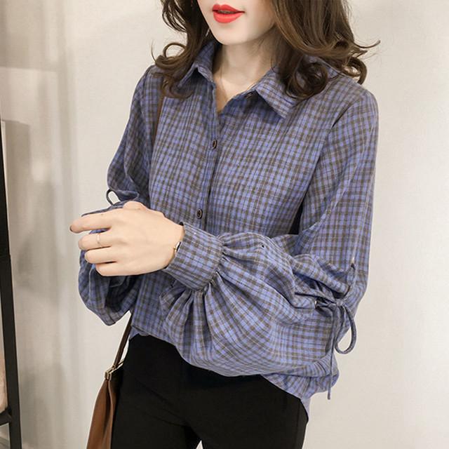 【tops】Fashion stripe V-neck vertical stripes shirt