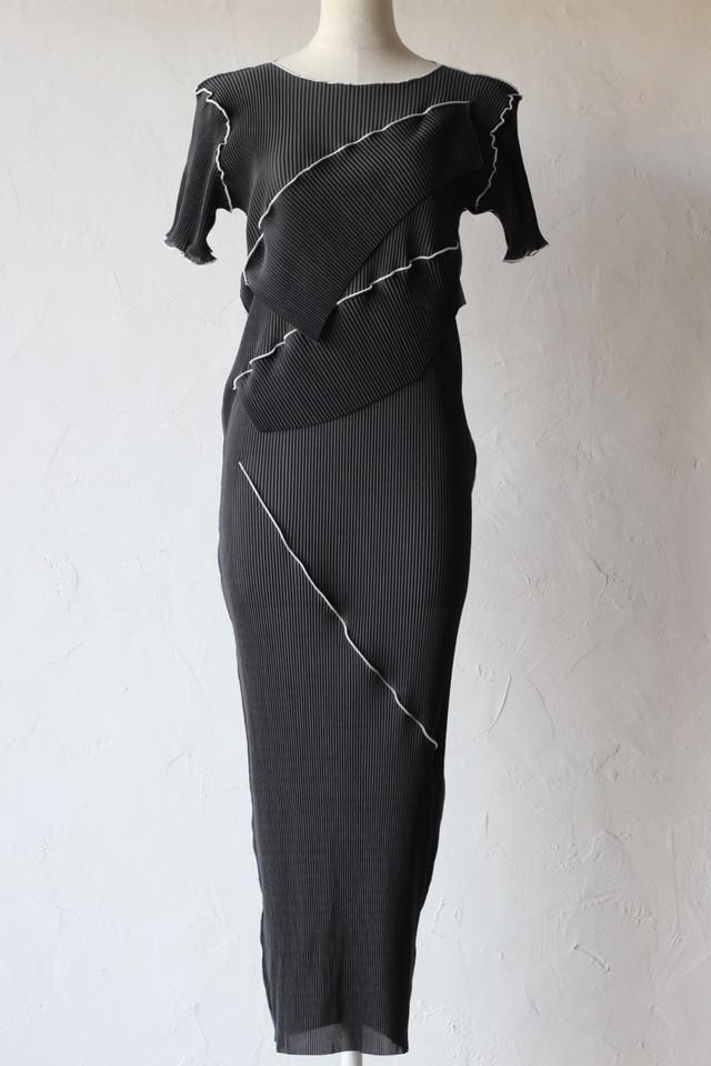 【kotohayokozawa】pleats dress short sleeve dress-black
