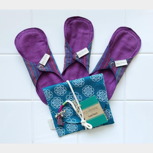 ポーチ付き軽い日用(防水なし)3枚セット 肌面:オーガニック染料使用フランネル/3 Pantyliners  - Vibrant Organic Without PUL and 1 Carry Pouch