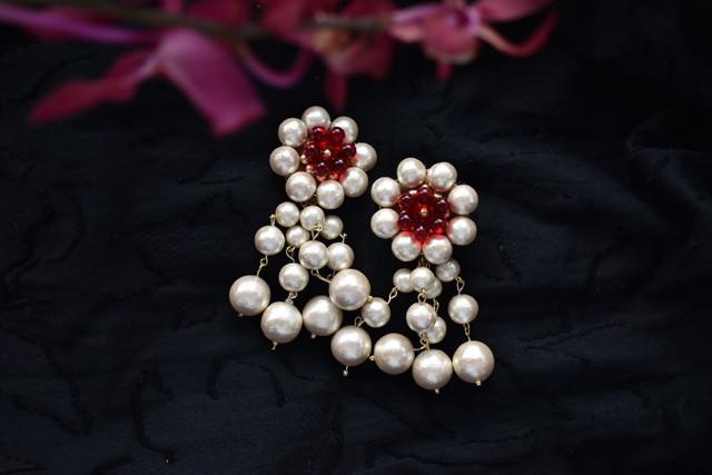 vyuha tsubaki cotton perl earring/pierce red