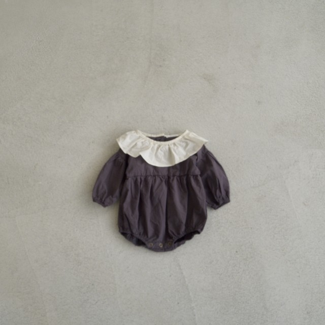 Baby Round collar rompers (charcoal × ivory)