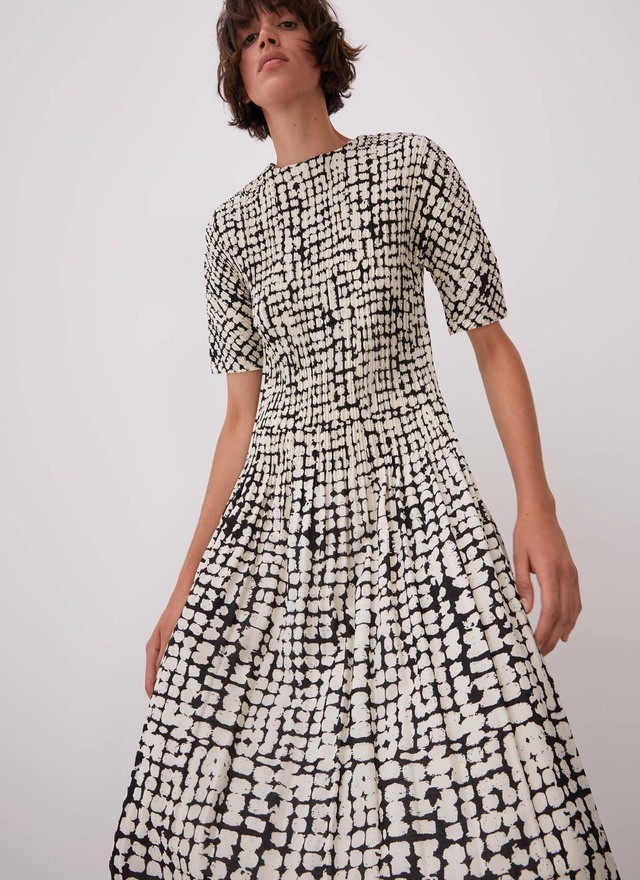 CRINKLE DRESS WITH SIGNATURE PRINT