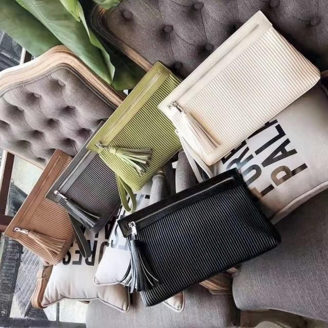 予約注文商品 プリーツリブクラッチ クラッチ クラッチバッグ ハンドバッグ 韓国ファッション