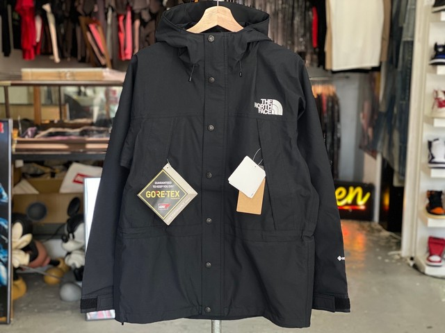 THE NORTH FACE MOUNTAIN LIGHT JACKET BLACK NP11834 MEDIUM 200JI8764
